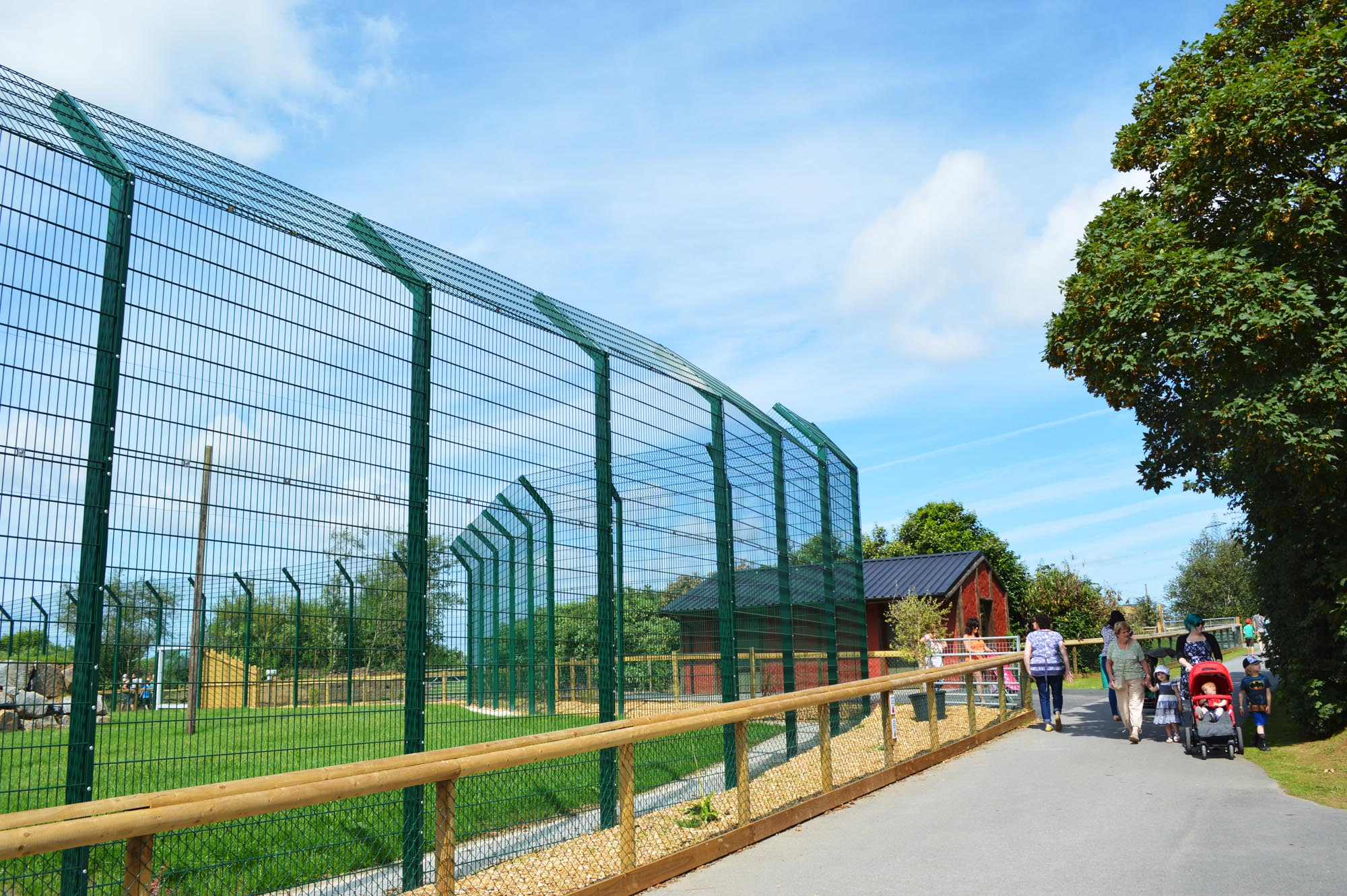 folly farm zoo fencing
